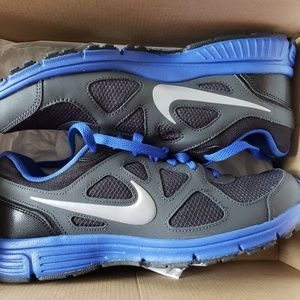 Nike Revolution, Mens 9.5, Blue, Black, NEW